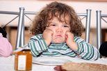 Điều ba mẹ cần làm để hạ hỏa trẻ dưới 4 tuổi hay giận dữ vô cớ