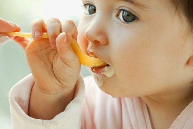 Cháo gan gà cho bé nấu với rau củ thơm ngon bổ dưỡng