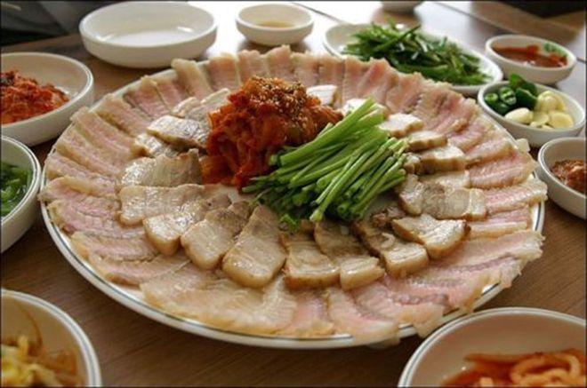 Cách luộc thịt lợn đơn giản vừa mềm vừa ngon lại không bị khô