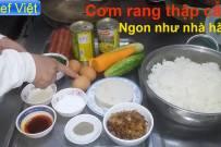 Cách làm cơm rang thập cẩm ngon như nhà hàng