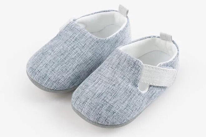 Những mẫu giày tập đi nâng bước cho con thêm vững vàng mẹ nên tham khảo ngay - ảnh 1