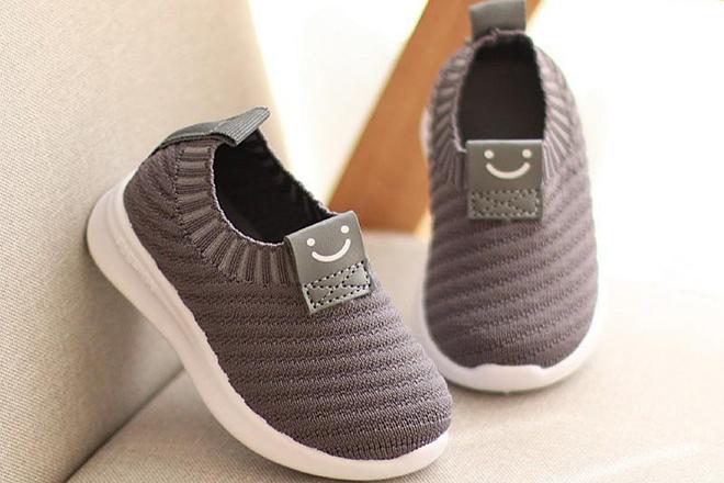 Những mẫu giày tập đi nâng bước cho con thêm vững vàng mẹ nên tham khảo ngay - ảnh 3