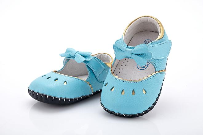 Những mẫu giày tập đi nâng bước cho con thêm vững vàng mẹ nên tham khảo ngay - ảnh 4