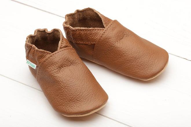 Những mẫu giày tập đi nâng bước cho con thêm vững vàng mẹ nên tham khảo ngay - ảnh 5