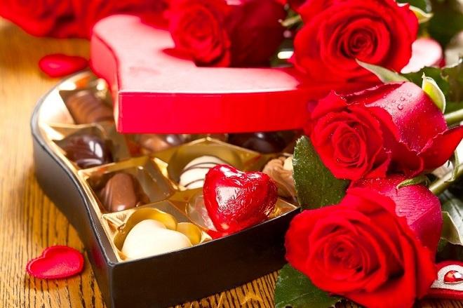 chocolate va hoa hong