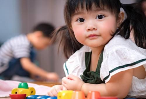 6 cách dạy trẻ 2 tuổi thông minh mẹ nên áp dụng ngay