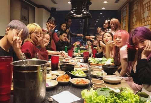 Top 8 quán ăn cho nhóm đông người ngon bổ rẻ tại Hà Nội và TPHCM