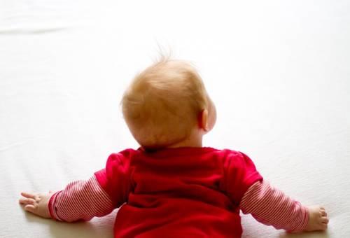 Trẻ sơ sinh bị tăng động có chính xác hay không?