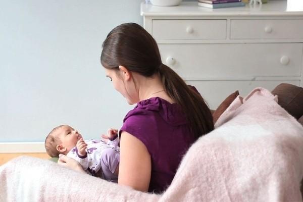 cho bé sơ sinh nằm điều hòa như thế nào là an toàn